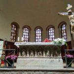 Altar v Monastyre Sv. Franchesko pod kotorym raspolozheny zatoplennye mozaiki. Ravenna. Basilica di San Francesco. Ravenna 150x150 - Равенна (Ravenna). Однодневная экскурсия из Римини