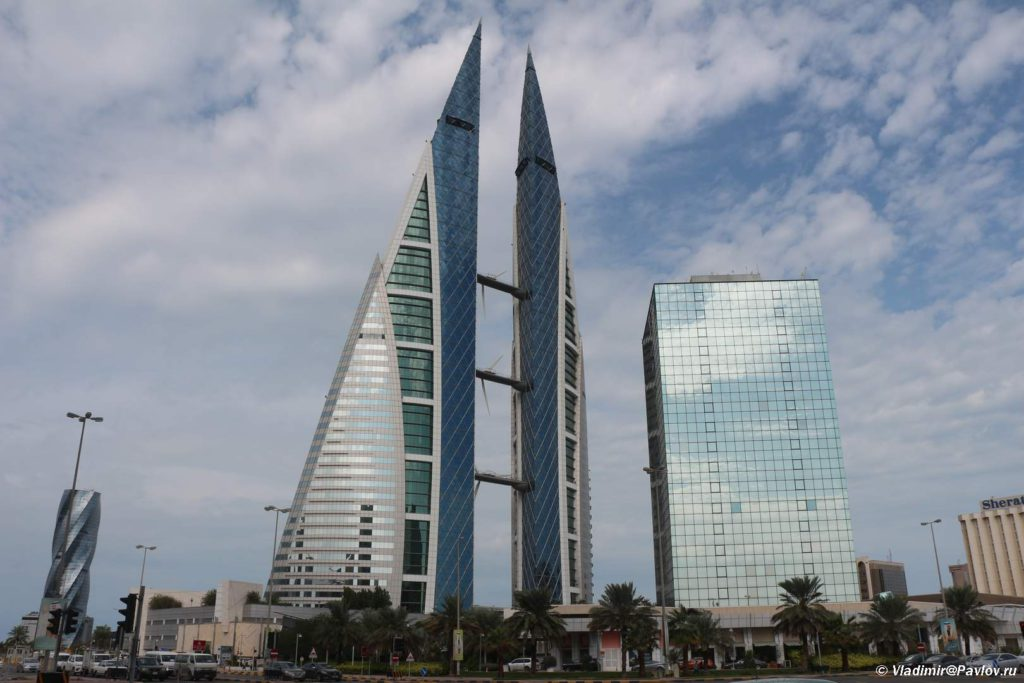Bahrejn. Bahrejnskij vsemirnyj torgovyj tsentr. Bahrain World Trade Center 1024x683 - Бахрейн - остров и королевство