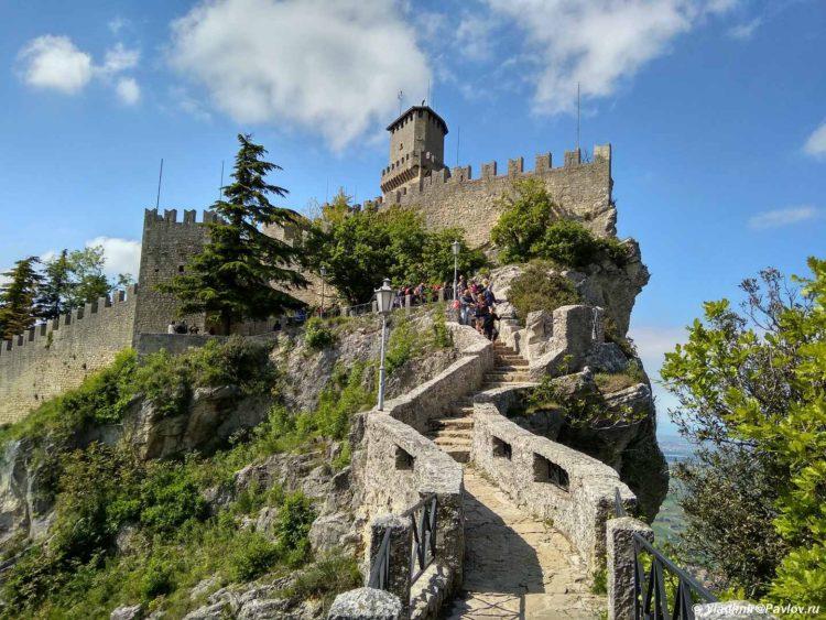 Bashnya CHesta v San Marino. Seconda Torre San Marino 750x563 - Республика Сан Марино. San Marino, Продолжение.