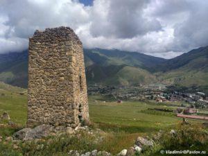 Bashnya ryadom s Fiagdonom 300x225 - Начало. Северная Осетия. 5