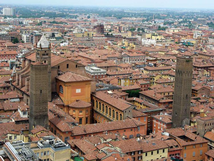 Bolonya. Bologna 750x562 - Анкона (Ancona), Болонья (Bologna) - экскурсии из Римини