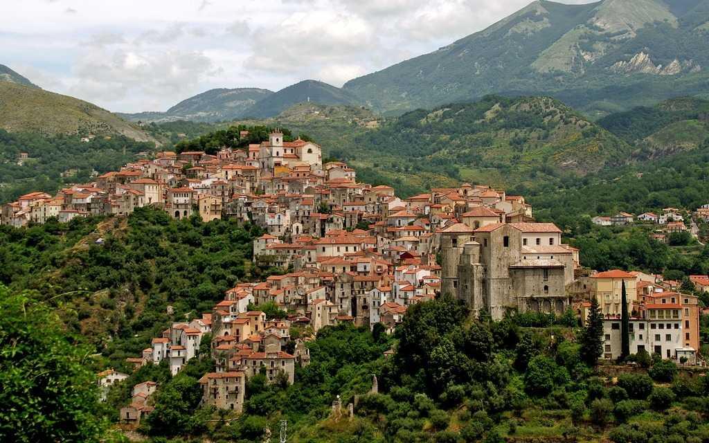 Borgo nazvanie nebolshih autentichnyh gorodov Italii - Борго (итал. Borgo). Достопримечательности Италии.