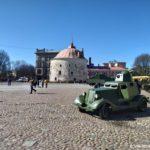 Bronemashina na Rynochnoj ploshhadi. Vyborg 150x150 - 9 мая в Выборге. Праздник на Красной площади, парад ретротехники военных лет