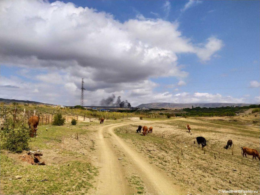 CHernyj dym nad selom CHirkej. Dagestan 2 1024x768 - В Сулакский каньон. Продолжение