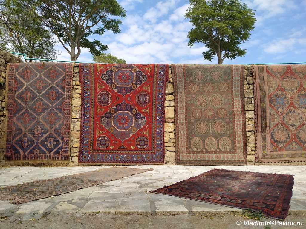 Dagestanskie kovry 1024x768 - Музеи и достопримечательности Дербента. Дагестан