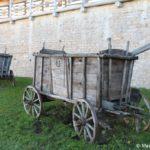 Derevyannye telegi v muzee Izborska 150x150 - Изборская крепость