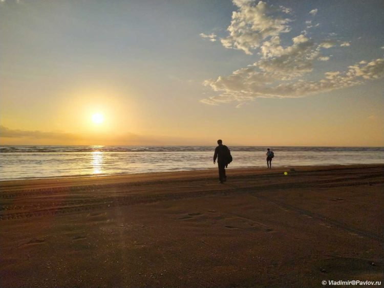 Dikij plyazh na Kaspijskom more. Dagestan 750x563 - Доброе утро, Дагестан! Из аэропорта пешком на море