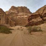 Doroga cherez kanon Burah Burrah Canyon. Iordaniya. Pustynya Vadi Ram. Wadi Rum Jordan 150x150 - Каньоны в пустыне Вади Рам (Wadi Rum). Иордания.