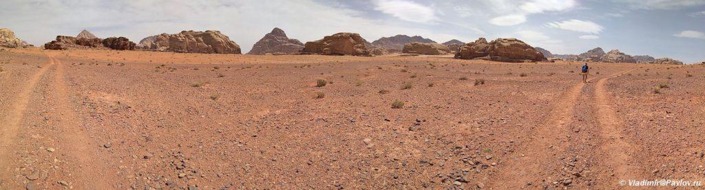 Dorogi v pustyne Vadi Ram lezhat na vse chetyre storony sveta. Iordaniya. Wadi Rum Jordan 1024x276 - Пешком по пустыне Вади Рам (Wadi Rum tracking)