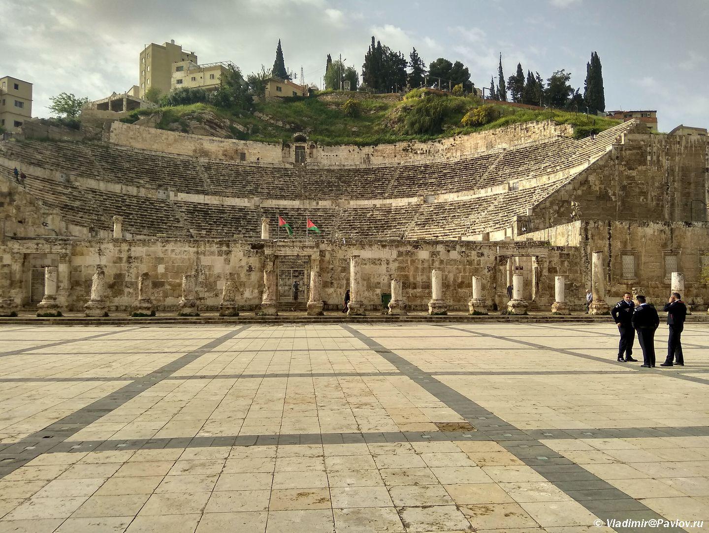 Dostoprimechatelnost stolitsy Iordanii rimskij amfiteatr. Roman amphitheater of Amman Jordan - Столица Иордании Амман. Amman, Jordan.