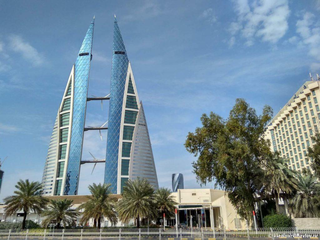 Dostoprimechatelnost. Bahrejnskij vsemirnyj torgovyj tsentr. Bahrain World Trade Center Manama 1024x768 - Прогулка по столице Бахрейна, Манаме