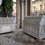 Dva sarkofaga ryadom s groblitsej Dante Aligeri 150x150 - Равенна (Ravenna). Однодневная экскурсия из Римини