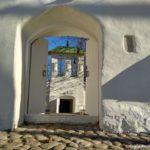Dveri 150x150 - Церкви и источник рядом с Изборской Крепостью