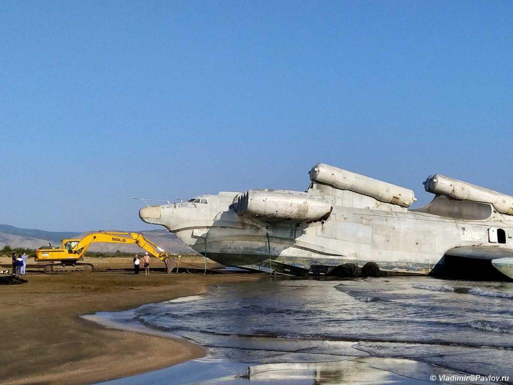 Ekranoplan Lun neset shest raketnyh ustanovok 1024x768 - Экраноплан «Лунь», «Каспийский монстр»