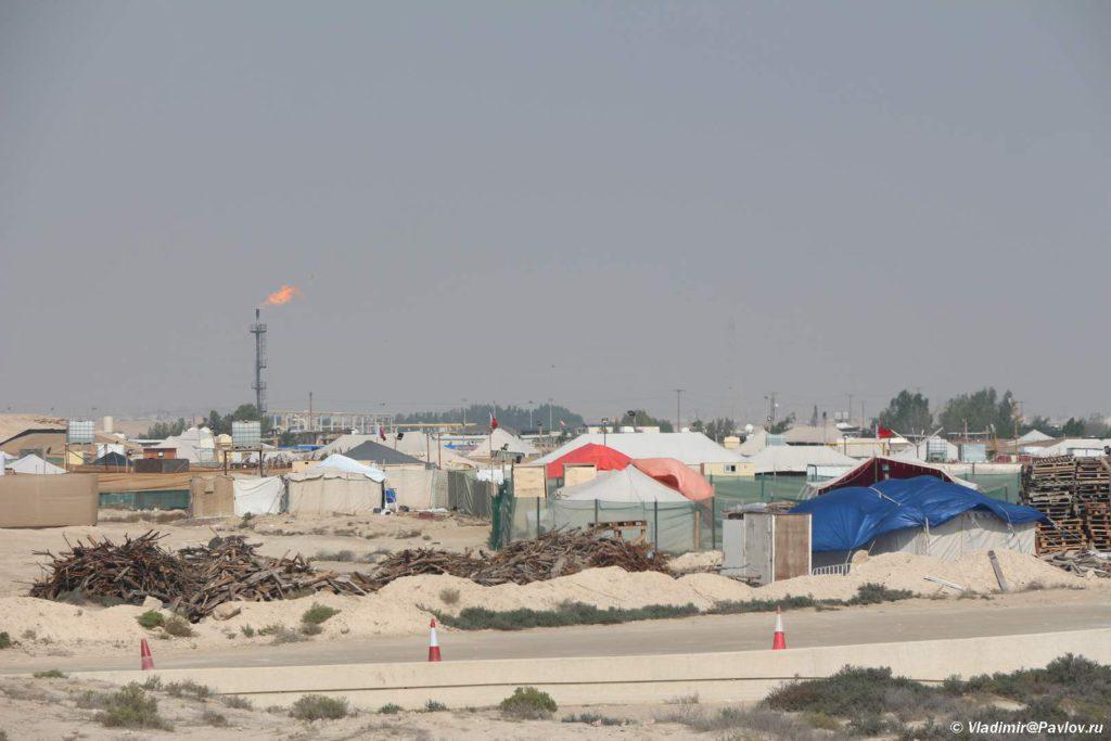 Fakel. Neftyanoe mestorozhdenie v Bahrejne. Bahrain oil field 1024x683 - Древо Жизни в пустыне Бахрейна. Tree Of Life