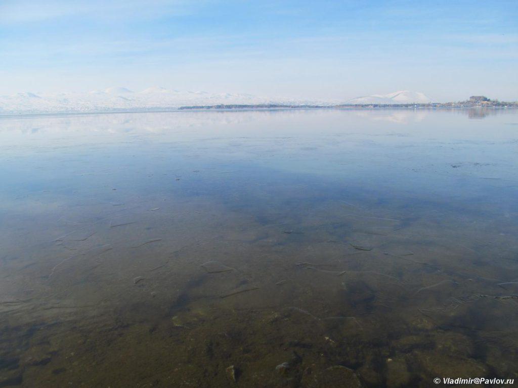 Glad ozera Sevan v Armenii pokrytoe ldom. Armeniya 1024x768 - Озеро Севан (Sevan lake) в Армении