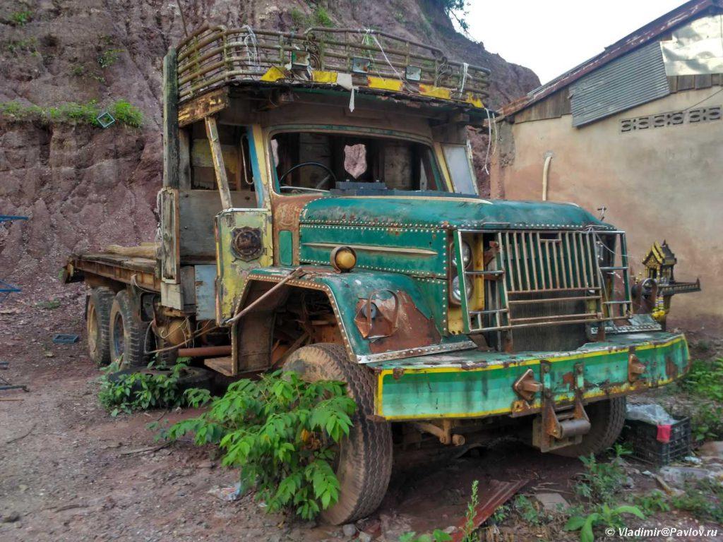 Gruzovik v Laose. Pak Beng Pak Beng 1024x768 - Судоходство по Меконгу. Лаос