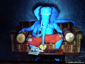 Induistskij Bog Ganesha v muzee Aan de Stroom Antverpen 300x225 - Бельгия. Антверпен. Языки Бельгии. 3