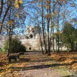Izborskaya krepost osenyu 150x150 - Изборская крепость