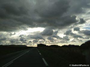 Izmenchivaya pogoda u Severnogo morya 300x225 - Северный берег Франции