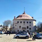 Kruglaya bashnya na Rynochnoj ploshhadi Vyborga 150x150 - Старый Выборг. Экскурсия по городу