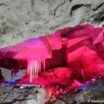 Ledyanye stalaktity v Kungurskoj peshhere. Dostoprimechatelnost 150x150 - Кунгурская ледяная пещера