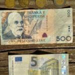 Lek. Albanskaya valyuta. Kupyura i monety 150x150 - Албания. Шкодер (Shkodër, Shkodra, Скадар).