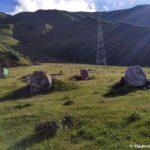 Litsa vysechennye v kamne na doroge v Dzhuta 150x150 - Грузия, Боржоми. 21