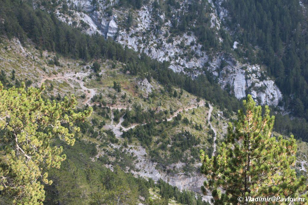 Marshrut na goru Olimp mestami podnimaetsya zmejkoj 1024x682 - Утро на Олимпе. Спуск на Землю.