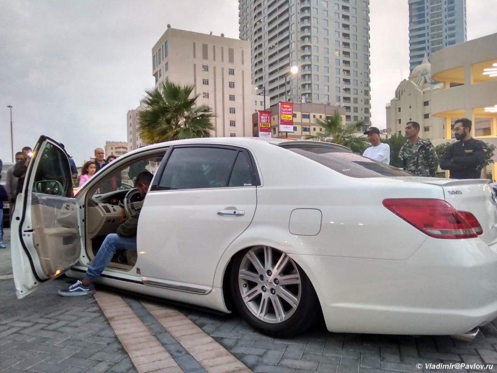 Mashina s zanizhennoj pnevmopodveskoj. Avtomobilnyj klub Bahrejn Klassik Kars. Bahrain Classic Cars Club 1024x768 - Автомобильный клуб Bahrain Classic Cars. Выставка к Национальному дню Бахрейна