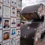 Monument MISSING v Grachanitse obkleen fotografiyami pogibshih v Balkanskoj vojne. Kosovo. Kosovo 150x150 - Грачаница. Сербская община. Косово