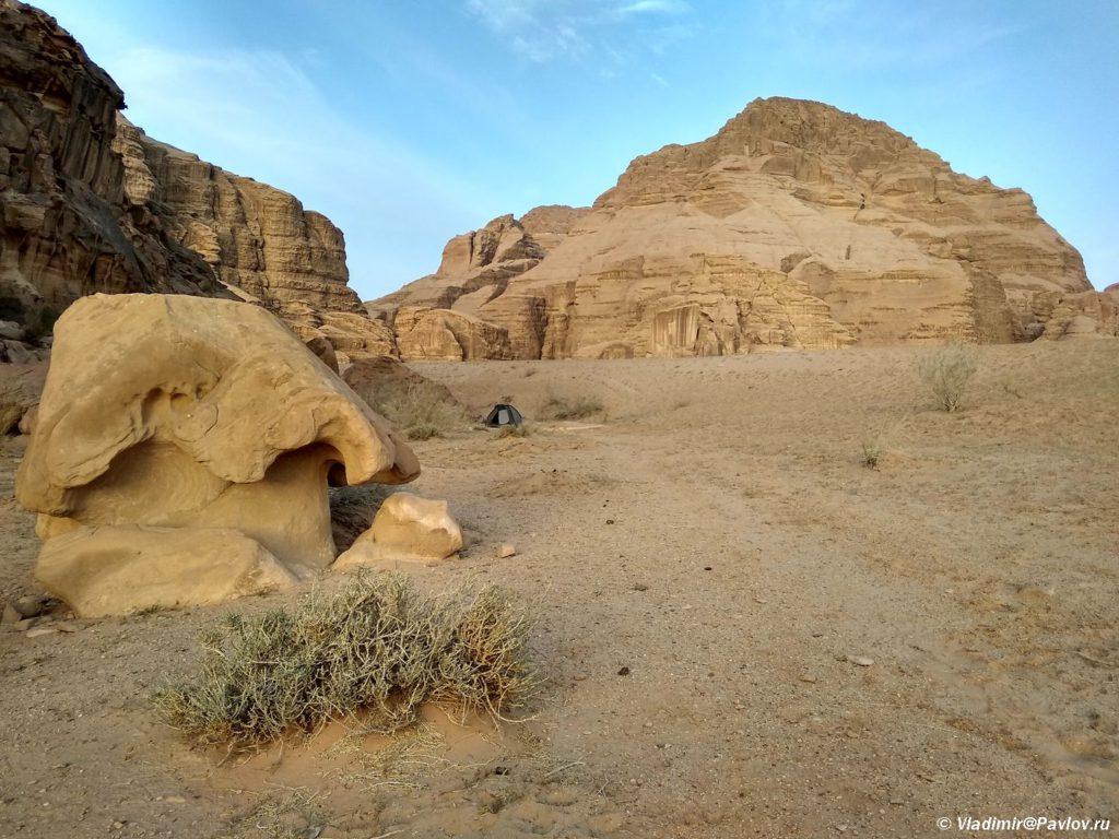 Mozhno li nochevat v svoej palatke v pustyne Vadi Ram. Mozhno naprimer tak. Iordaniya. Pustynya Vadi Ram. Wadi Rum Jordan 1024x768 - Где и как ночевали в пустыне Вади Рам (Wadi Rum) в палатке. Иордания.