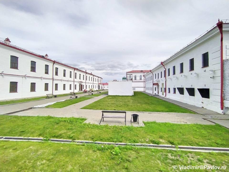 Muzej Sibirskoj katorgi i ssylki v Tobolske. Vnutrennij dvor dlya progulok ssylnyh i arestantov - Тюремный замок Тобольска