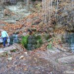 Na Slovenskie klyuchi priezzhayut za vodoj 150x150 - Словенские ключи и Городищенское озеро в Изборске