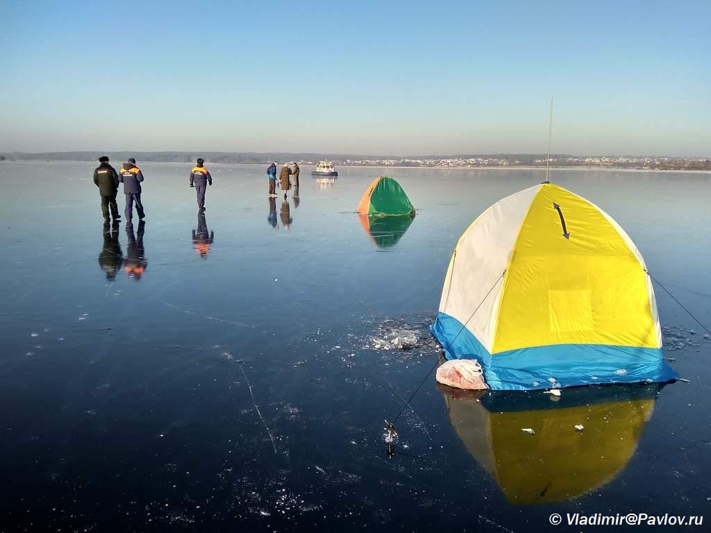 Na konkah po ldu reki Klyazmy - На коньках по льду реки Клязьмы. Клязьминское водохранилище.