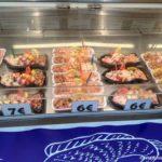 Na nebolshom rybnom rynke mozhno kupit svezhie krevetki krabov rybu 150x150 - Бельгия. Остенде (Ostende). Бельгия с палаткой. 12