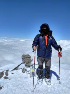 Na vershine Elbrusa 5642m 225x300 - Путешествия