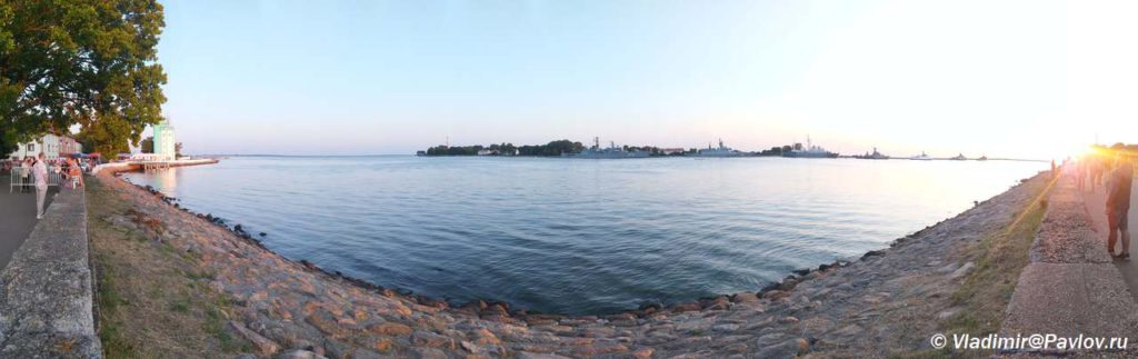 Naberezhnaya v Baltijske gde prohodit morskoj parad na den Voenno Morskogo Flota 1024x323 - Морской парад в Балтийске ко дню Военно-Морского Флота