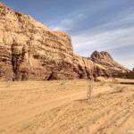 Nash put lezhal cherez peski vdol sten kanona Burrah Burrah Canyon 150x150 - Каньоны в пустыне Вади Рам (Wadi Rum). Иордания.