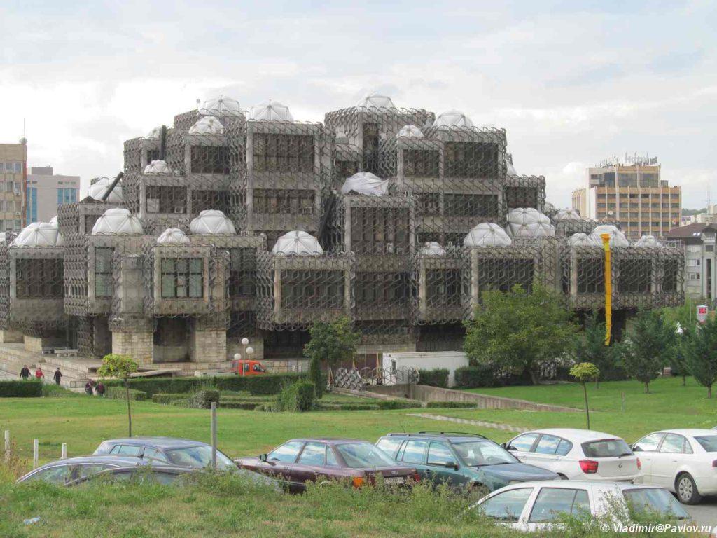Natsionalnaya biblioteka v Prishtine. Kosovo. Kosovo 1024x768 - Достопримечательности Приштины. Балканский трэш. Pristine, Kosovo