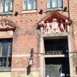 Neobychnaya skulptura s fruktovoj vilkoj ili dlya moreproduktov. Vyborg 150x150 - Старый Выборг. Экскурсия по городу