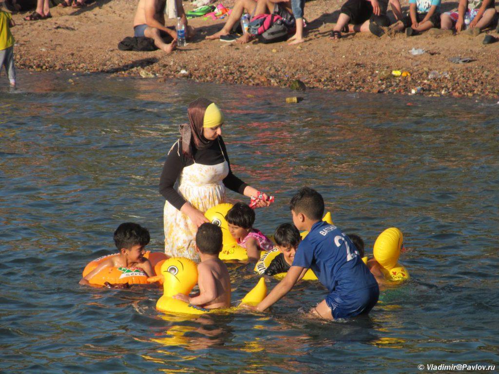 Odezhda dlya kupaniya v Iordanii. Iordaniya. Aqaba. Jordan 1024x768 - Акаба (Al Aqabah). Иорданский курорт на Красном море.