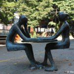 Originalnaya skulptura v Skope. Makedoniya 150x150 - Достопримечательности Скопье, продолжение