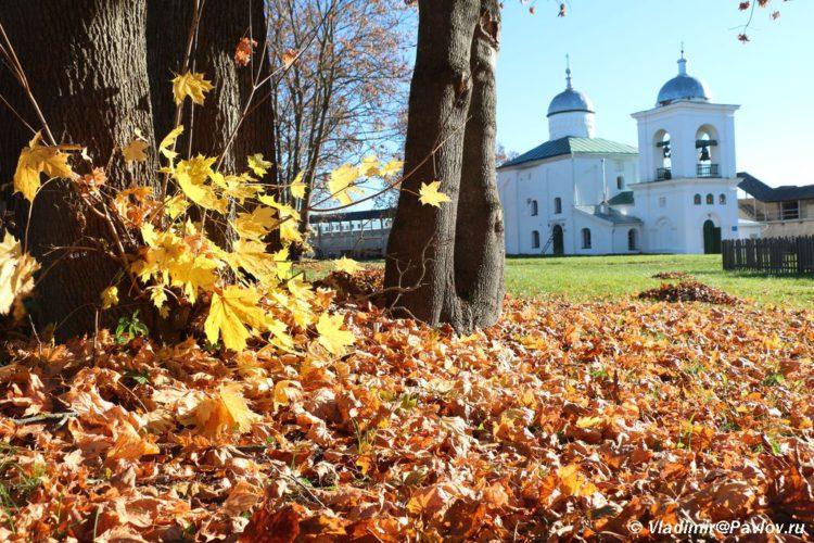 Osen v Izborskoj Kreposti 750x500 - Изборская крепость