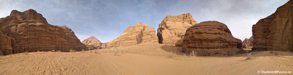 Panorama v kanone Burrah Burrah Canyon. Iordaniya. Pustynya Vadi Ram. Wadi Rum Jordan 1024x263 - Каньоны в пустыне Вади Рам (Wadi Rum). Иордания.