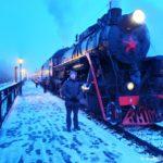 Parovoz Ruskealskogo Ekspressa na platforme v Ruskeala. Stantsiya Gornyj park Ruskeala. Kareliya 150x150 - Ретропоезд Рускеала - Сортавала «Рускеальский экспресс» и Туристический поезд.
