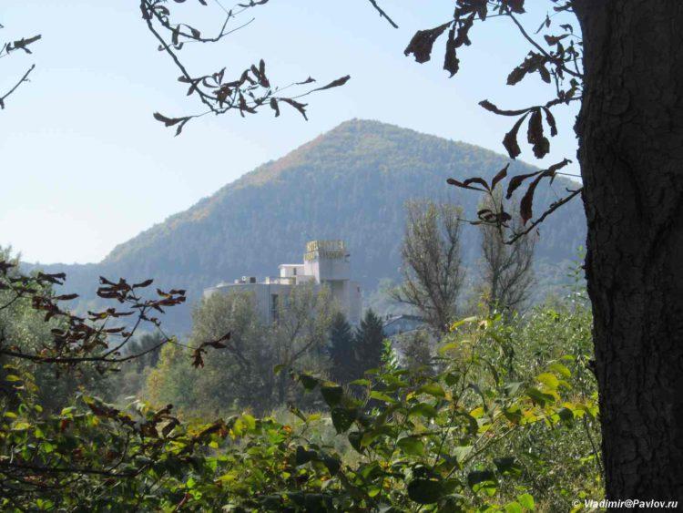 Pitamida Solntsa v Visoko. Bosniya i Gertsegovina 750x563 - Високо (Visoko) - город пирамид в Боснии и Герцеговине