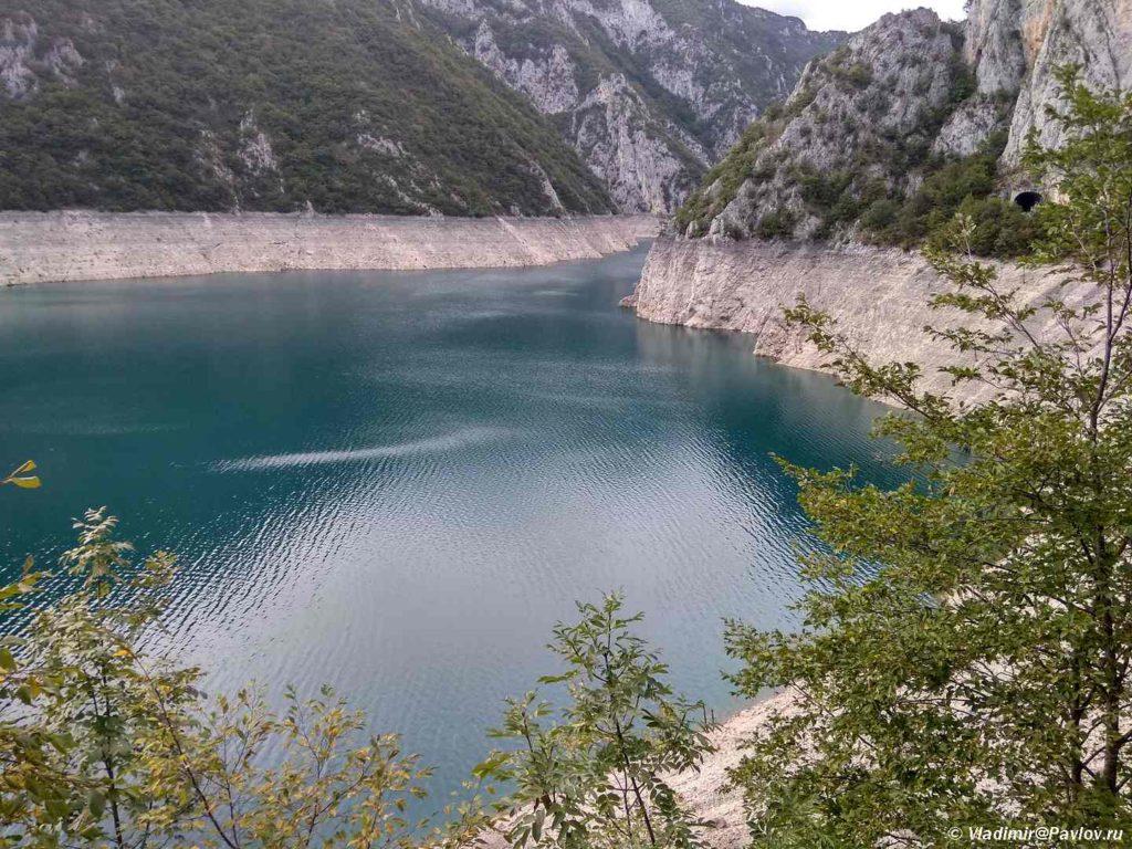 Pivskoe Ozero Pivsko Jezero po suti est vodohranilishhe 1 1024x768 - Каньон на Пивском озере (Пивско Jезеро) при выезде из Дурмитора. Черногория