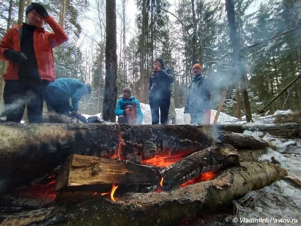 Pohod vyhodnogo dnya po Podmoskovyu. U kostra - Поход выходного дня (ПВД) по Подмосковью на лыжах