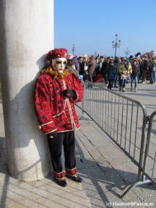 Poteryalsya 225x300 - Карнавал в Венеции